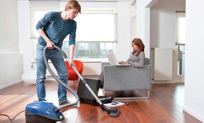 Canottiere-pulisce-casa