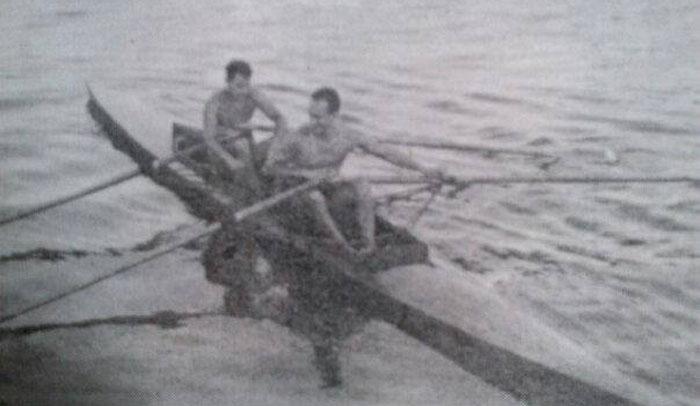 Giovanni Falcone, canottiere, in doppio canoe (a sinistra). Foto da il Giornale di Sicilia 30/4/1994