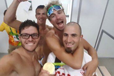 Romano Battisti e Francesco Fossi insieme ai fratelli Sinkovic