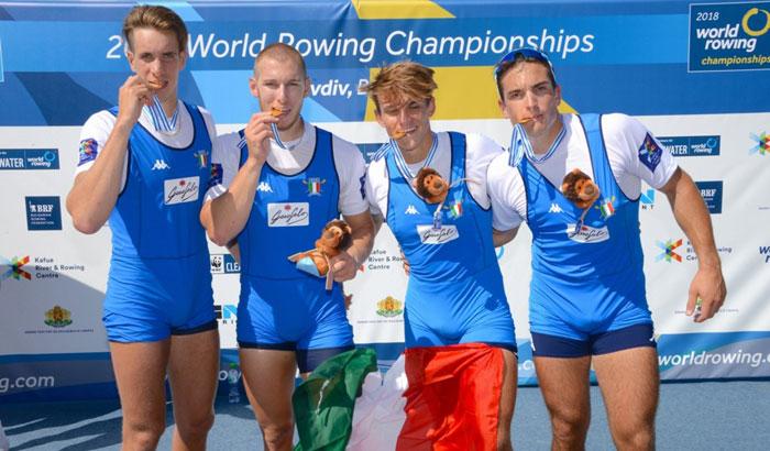 Il 4 di coppia campione del mondo. Da sinistra: Giacomo Gentili, Luca Rambaldi, Andrea Panizza e Filippo Mondelli. Foto di Mimmo Perna